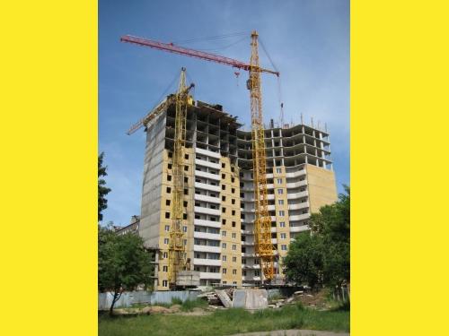 Предлагаем башенный кран КБ-504 в аренду на взаимовыгодных условиях.